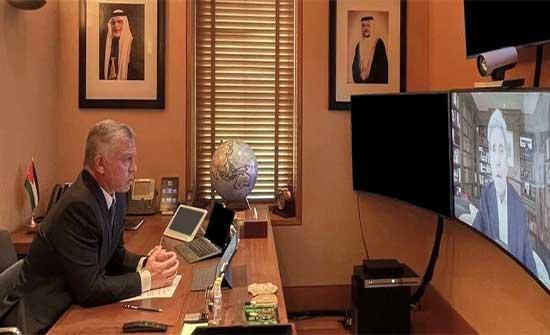 الملك يجتمع مع مبعوث الرئيس الأمريكي لشؤون المناخ جون كيري