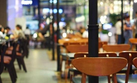 مصدر : اغلاق المطاعم السياحية والمقاهي يهدد بتسريح 70 ألف عامل