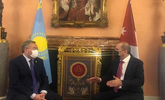 وزير الخارجية يجري مباحثات مع نظيره الكازاخستاني