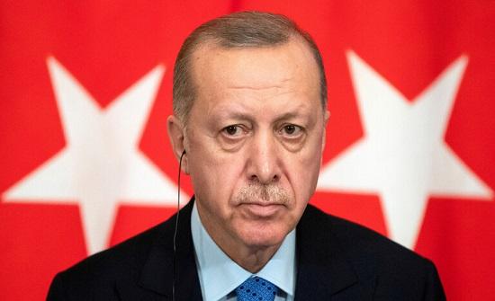 """أردوغان يتعهد بمواصلة الحرب على الإرهاب: """"لن نترك بلادنا للخونة"""""""