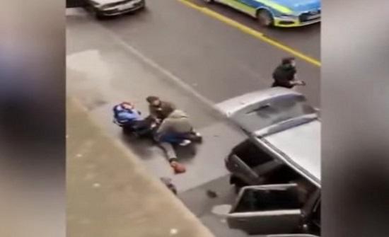 لحظة القبض على سائق السيارة الذي قام بدهس المارة في ترير الألمانية .. بالفيديو
