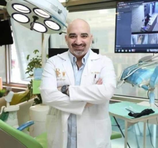 """حزن يجتاح """"التواصل الاجتماعي"""" عقب وفاة الدكتور خالد عبيدات"""
