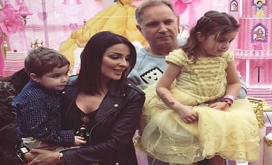متابعون طلاق نادين نجيم بسبب إدمان زوجها على البوكر واستهتاره بعائلته المدينة نيوز