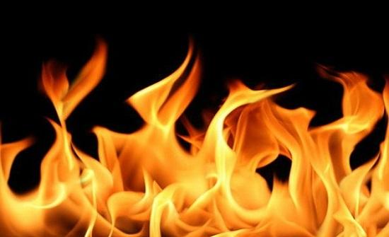 اخماد حريق أعشاب جافة في اربد