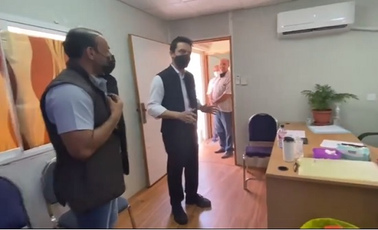 فيديو  : ولي العهد يتفقد أحد مراكز التطعيم في العقبة
