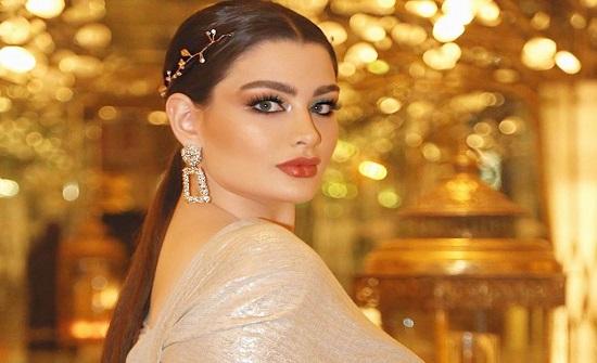 """شاهد.. الكويتية روان بن حسين تحتفل بالـ 31 مليون: """"الألم صنع مني فنانه"""""""