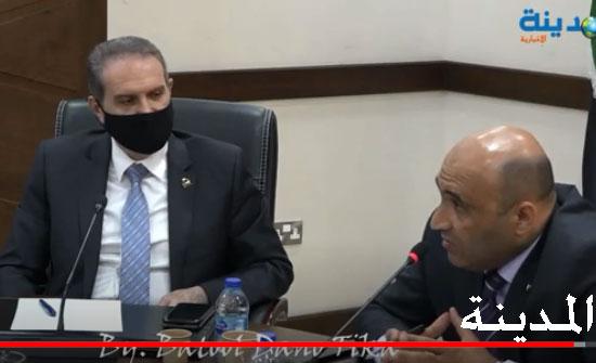 فيديو : التسجيل الكامل لاجتماع لجنة الصحة الذي دفع الهواري لرفع مكافآت أطباء الاقامة