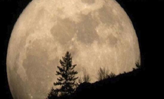 فلكي : القمر العملاق يزين سماء المملكة غداً
