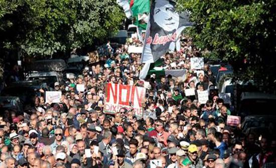 بالفيديو : مسيرات حاشدة في الجزائر رفضا لانتخابات 12 ديسمبر