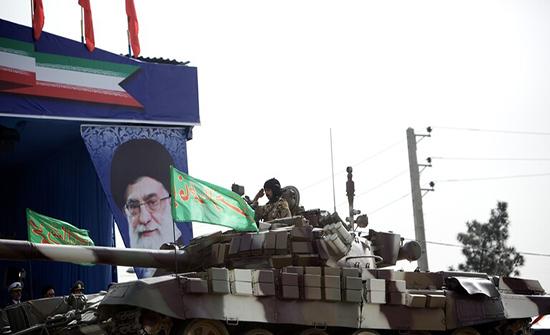 إيران تنشر دبابات على حدودها مع أذربيجان وأرمينيا
