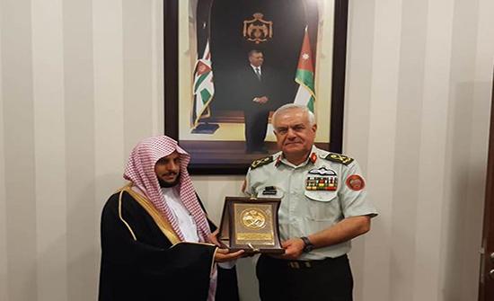 الحنيطي يستقبل مدير عام الشؤون الدينية للقوات المسلحة السعودية
