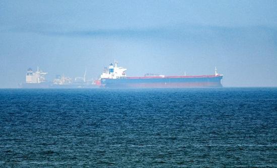 """بعد التحذير الأميركي.. إيران """"سنواصل مهامنا في البحر"""""""
