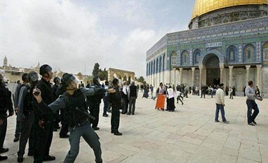 أكثر من 90 اعتداء اسرائيليا على المقدسات الشهر الماضي