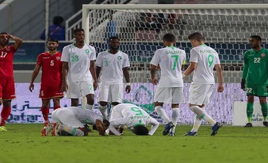 الأخضر السعودي يضرب عمان بثلاثية ويتأهل لنصف النهائي (شاهد)