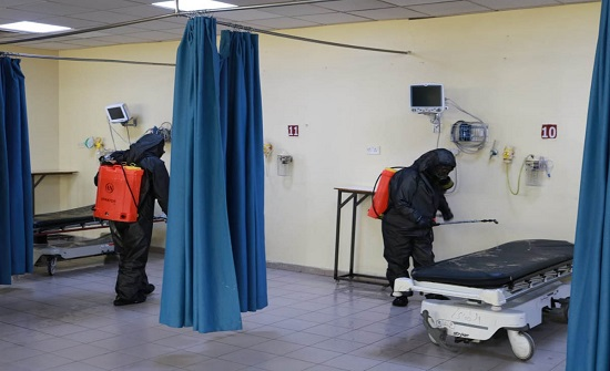 سلاح الهندسة يستمر بتعقيم مستشفيات الخدمات الطبية في اربد والمفرق