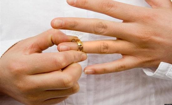 عربي وقع مع زوجته في «الحرام» والمحكمة تفرق بينهما بالطلاق