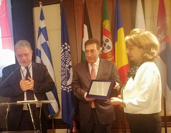 منح الطراونة جائزة جمعية برلمانات دول البحر الأبيض المتوسط