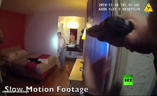 بالفيديو : الشرطة الأمريكية تقتل مطلوبا تأخر في سحب مسدسه