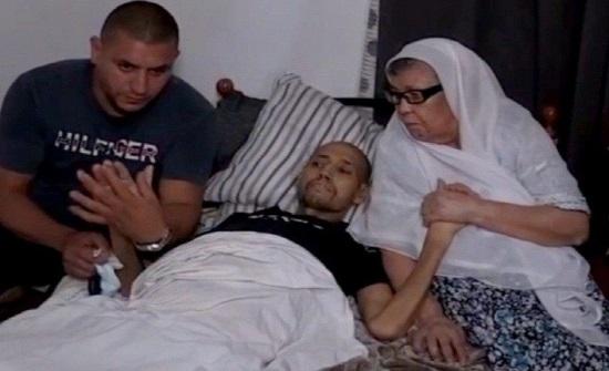 حقق أمنيته الأخيرة في رؤية أمه.. قصة الشاب محمد زيات تثير الحزن في الجزائر (فيديو)
