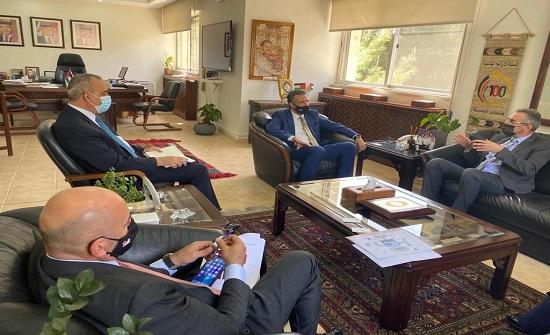 وزير السياحة والآثار يلتقي سفراء المكسيك وجورجيا وقبرص