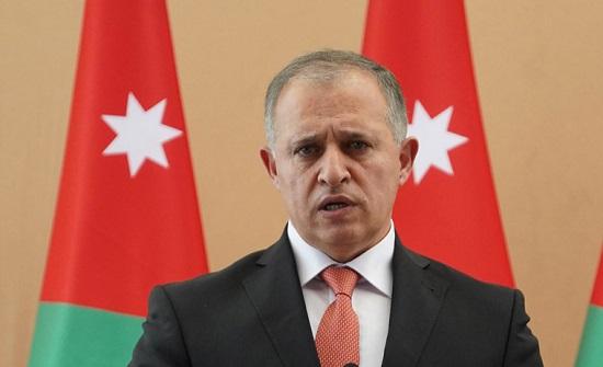 وزير العمل يستمع لمطالب القطاع الصناعي