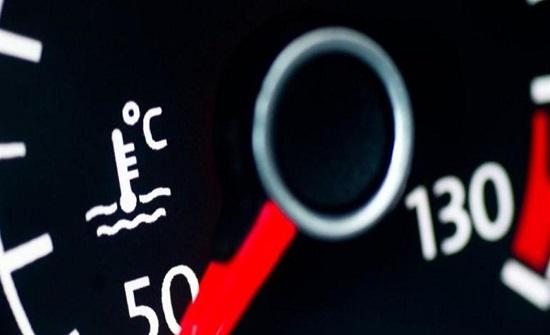 مع ارتفاع الحرارة.. نصائح ذهبية للحفاظ على محرك السيارة