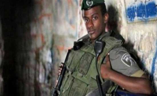 """والد الجندي الاسير مانغيستو يعتقد أن الصوت في """"تحقيق ما خفي أعظم"""" هو لابنه"""