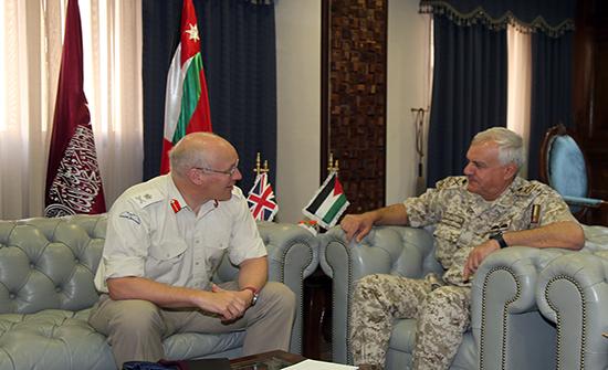 الحنيطي يستقبل كبير مستشاري وزارة الدفاع البريطانية للشرق الأوسط