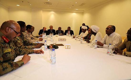 """تحالف سوداني معارض يرفض اتفاق العسكري ويصفه بـ""""الإقصاء"""""""