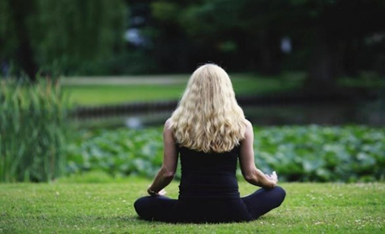 اليقظة الذهنية قد تخفف أعراض سرطان الثدي