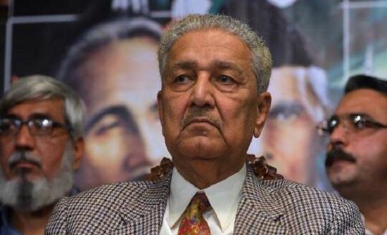 """مؤسس البرنامج النووي الباكستاني يقول إنه """"محتجز كسجين"""""""