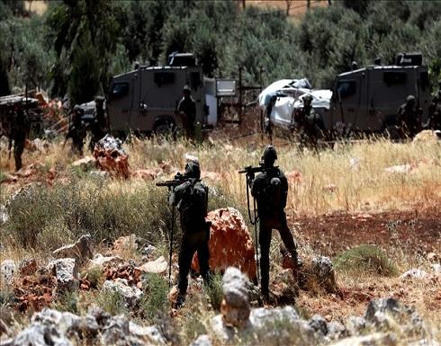 شبان فلسطينيون يزيلون بؤرة استيطانية بالضفة