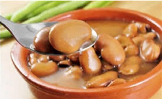 أرخص علاج للمناعة.. مجدي بدران ينصح بتناول الفول بالليمون يوميًا
