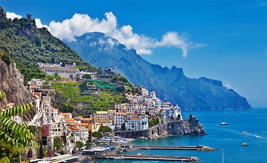 """بلدة """"كاماراتا"""" الإيطالية تقدّم منازل مجاناً لجذب السكان.. ومكافأة مالية للمتزوجين!"""