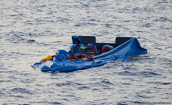 إنقاذ 6 وفقدان 4 مهاجرين غير شرعيين لدى غرق مركب جنوب شرق تونس