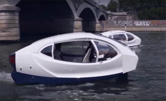 """باريس تختبر """"التاكسي المائي"""" (فيديو)"""
