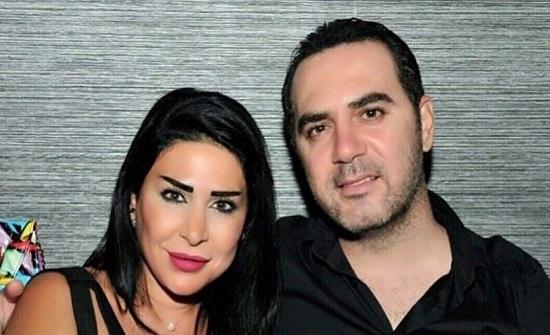 فيديو : وائل جسار وزوجته يرقصان الدبكة في تظاهرات لبنان