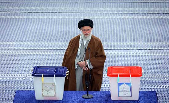 الغارديان: خامنئي تلاعب بانتخابات إيران لتحقيق حلمه