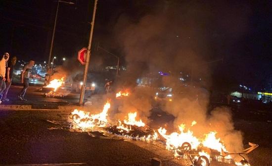الاحتجاجات في البلدات العربية: اعتقالات متواصلة ولا رادع لاعتداءات المستوطنين .. بالفيديو