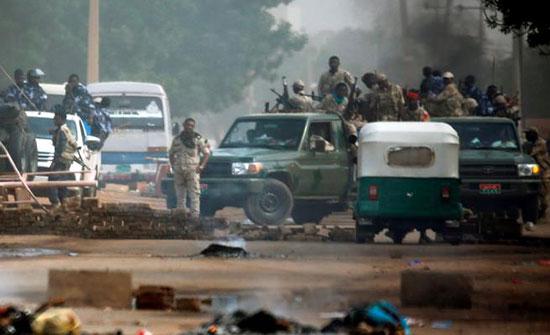 """الغارديان: الأدلة تدين """"العسكري"""" وحميدتي و""""جنجويده"""" في مذبحة فض اعتصام الخرطوم"""