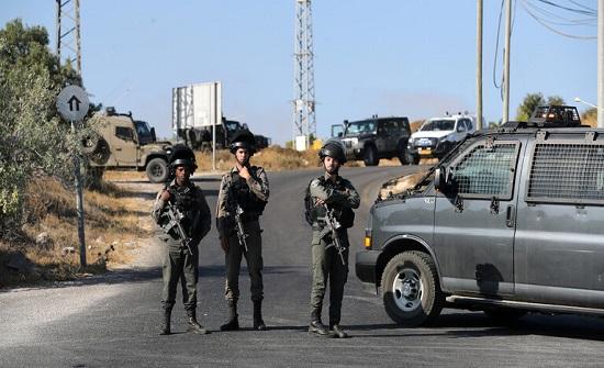 الجيش الإسرائيلي يصيب فلسطينيا في الخليل بزعم محاولته تنفيذ عملية طعن