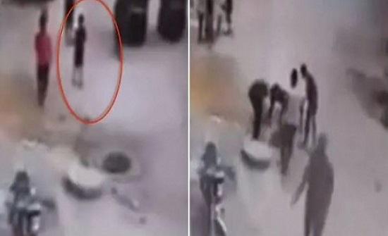 طفل مصري يلهو بطائرة ورقية وسط الشارع.. وفجأة حدثت الكارثة