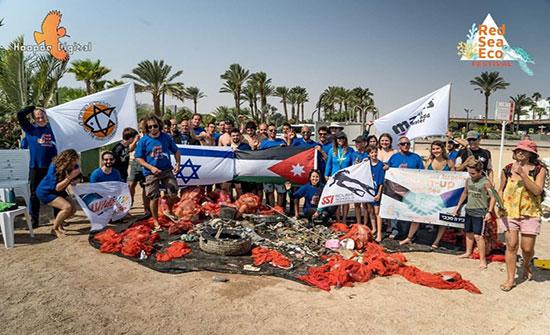 غضب بعد مشاركة غواصين أردنيين بتنظيف شواطىء إيلات