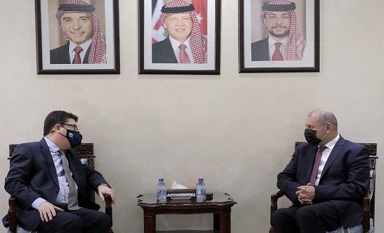 رئيس مجلس النواب يلتقي السفير الهنغاري