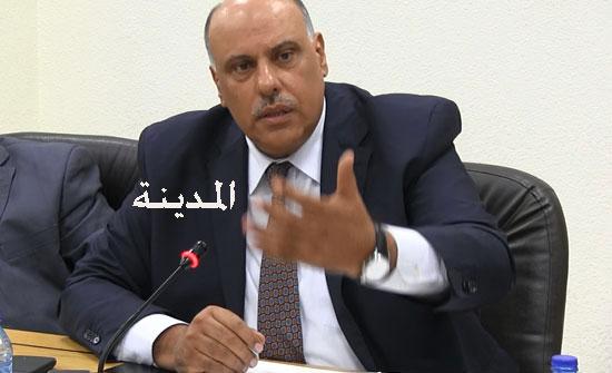 الناصر: لا زيادة على رواتب الموظفين هذا العام