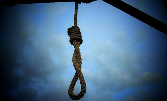 مصر : أم تقتل طفلتها بسبب قطعة كيك وأب يشنق ابنته بإيشارب في الاسكندية