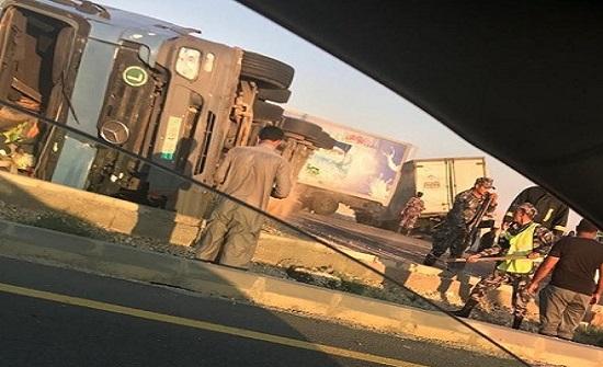 بالصور : حادث سير على الطريق الصحراوي