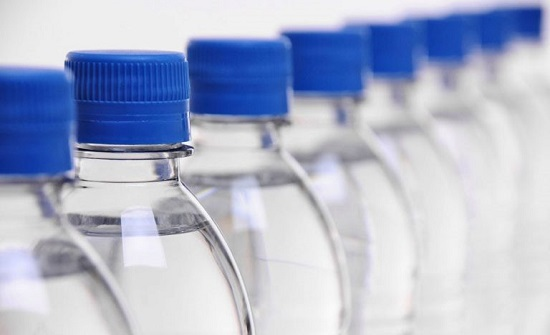مادة في عبوات المياه البلاستيكية تُسبب العقم والسرطان