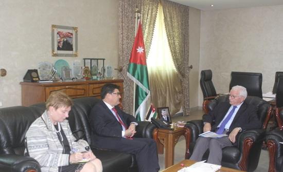 الوزير توق يلتقي السفير الهنغاري في عمان
