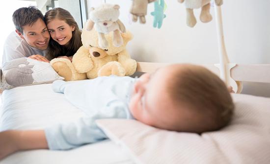 فيديو: حيلة ذكية تجبر أي طفل على النوم خلال دقيقة واحدة فقط دون عناء